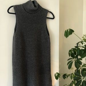 Turtleneck Sleeveless Sweater